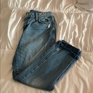 Universal Thread mom jeans. Size 6.
